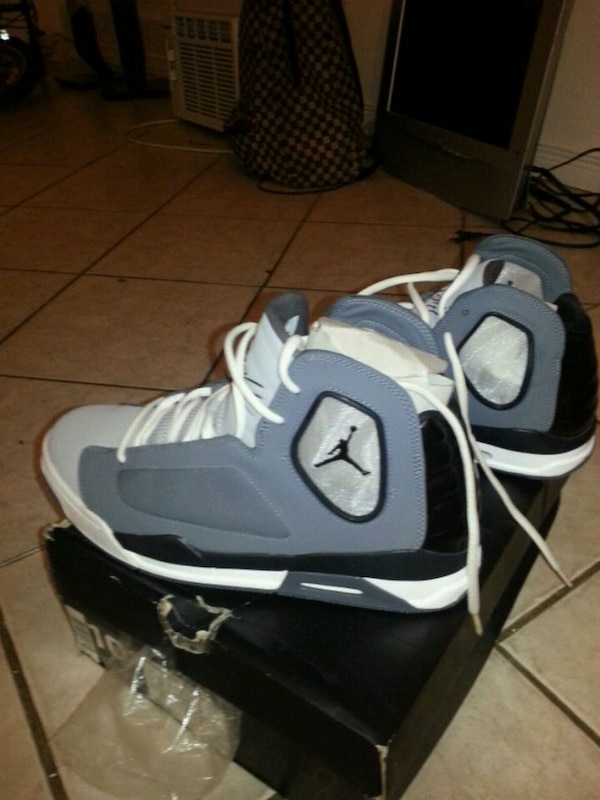 204713717233 Used white-and-black Air Jordan basketball shoes for sale in Montreal -  letgo
