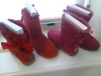 Ladys ugg boots. Size 6/ pink and rec with bow Columbus, 43204