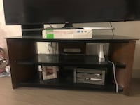Black and gray tv stand Inglewood, 90304