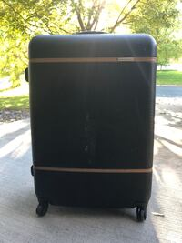 Large samsonite hard suitcase Maple Grove, 55311