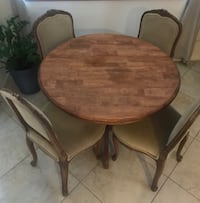 Solid wood table and chairs Lancaster, 93536