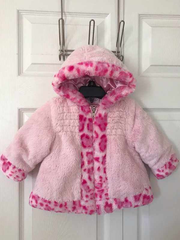 Pistachio girls winter coat. size 12m in excellent condition (pick up only)
