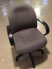 Black and gray rolling chair King, L7B 1T0