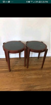 2 side tables, sturdy, light weight & very pretty Gaithersburg, 20878