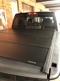 Flush mount tonneau covers, Ford, Ram Vaughan, L4K 3M2