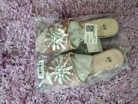 H&M NEW SLIDERS SIZE 7