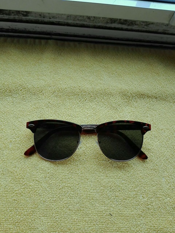 a475bc0defd8 Used Ray-Ban Clubmaster sunglasses for sale in London - letgo