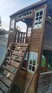 Wooden swing set/ play house  Laurel, 20723