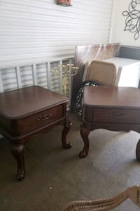 2 solid wood and tables and very good condition Las Vegas, 89121