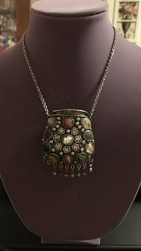Gemstone embellished pendant silver necklace/purse Gainesville, 20155