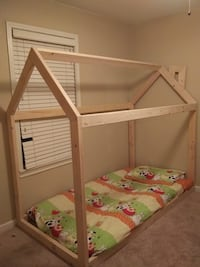 Frame bed house twin size Edmond, 73034