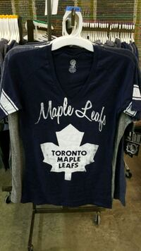 black and white Toronto Maple Leafs crew-neck t-shirt