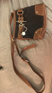 Chaps Black and Brown Cross-Body Purse New Berlin