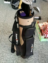 black and white golf bag with clubs kids Coquitlam, V3J 4B5