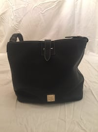 Women's black Dooney and Bourne leather shoulder bag