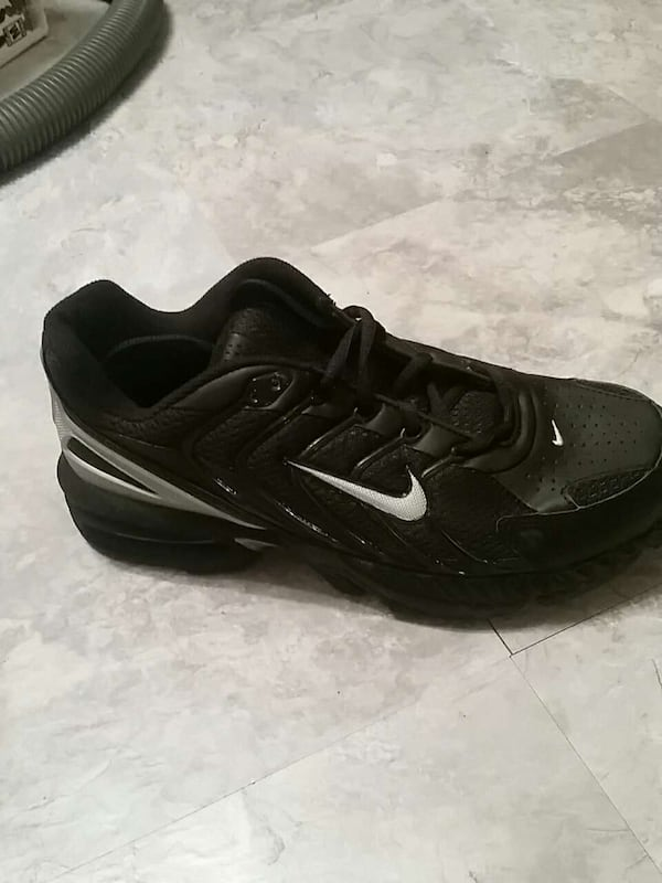 Mens air max tr.  Best offer.  All offers considered  d5fd2703-1afa-4fab-b644-eef376243ee6