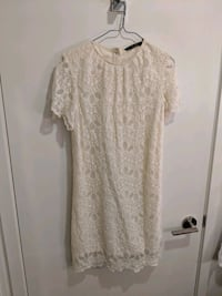 Like new Zara embroidery ivory dress size s Toronto, M5A