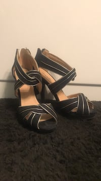Black and gold heels  Waldorf, 20602