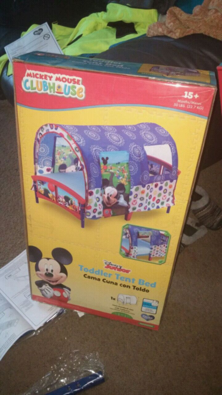 & Used Mickey Mouse Clubhouse tent bed box for sale in East Moline - letgo