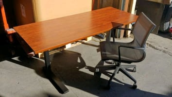 Linak Height Adjustable Tables w/ free chair