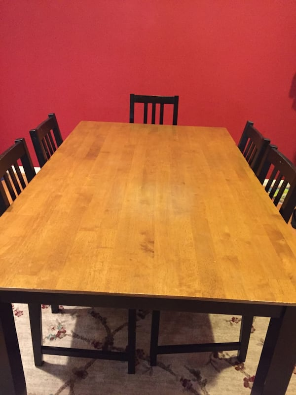 Dining  Table with Six Chairs and Cushions 8c26f11b-f286-4c32-a87c-dd7b68e06a9f