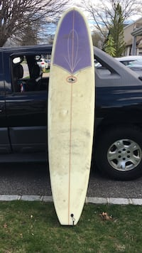 White and purple single stringer. Like new. 8.5 long 21 w. Summer now