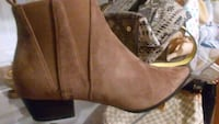 Size 9.5 booties taupe color London, N6G 0C2