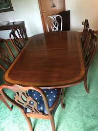 Dining Table and Chairs - Ethan Allen Tiverton, 02878