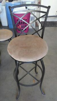 round brown metal high chair  Palmdale