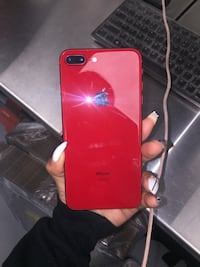 red iPhone 7 plus with case Alexandria, 22306