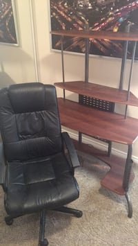 Computer desk and chair combo! Edmonton, T5T 3A6
