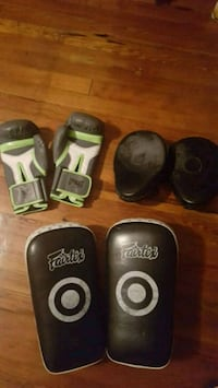Thai boxing glove and pad set Mobile, 36604