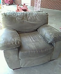 Brown comfy chair Greeley, 80631
