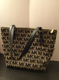 Micheal Kors purse / tote - Gently used Groesbeck