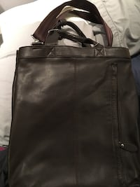 Chocolate brown leather messenger/laptop bag Burnaby, V5G 3X4
