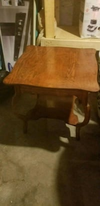 Solid wood table Cobourg, K9A 3R5