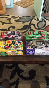 nascar 1:24 scale diecast collectible stock  cars (4). All are in excellent condition . Surfside Beach, 29575