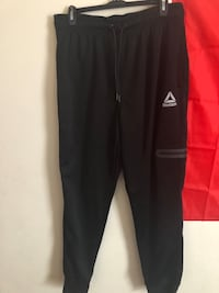 3 Men Sweatpants Size Large New York, 10461