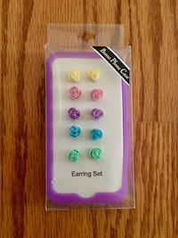 NEW Rose Earring Set Fairfax, 22035