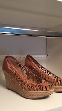 Brown leather wedges 5.5/6 Bedford, 03110