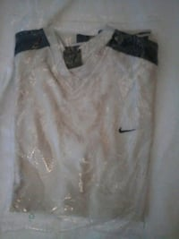 T-shirt manches courtes taille M Nike Toulon, 83100