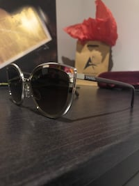 black framed Ray-Ban aviator sunglasses Toronto, M3M 1R1
