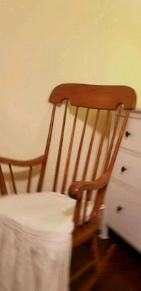 Solid Rocking chair Gaithersburg, 20878