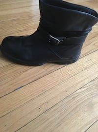Size 8 safety boots Windsor, N8X 1R5