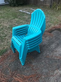 5 lawn chairs