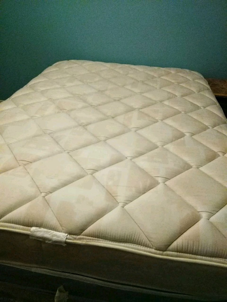Used queen mattress Full Size Used Letgo Used Used Queen Mattress And Box Spring For Sale In Lithonia Letgo