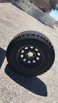Size 15 rims with 30 tires on them Kennewick, 99337