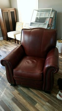 Red/brown leather recliner  Manteca, 95336