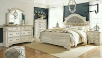 -Realyn Chipped White Panel Bedroom Set    Houston
