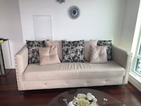 Leather couch  Mississauga, L5B 3H7